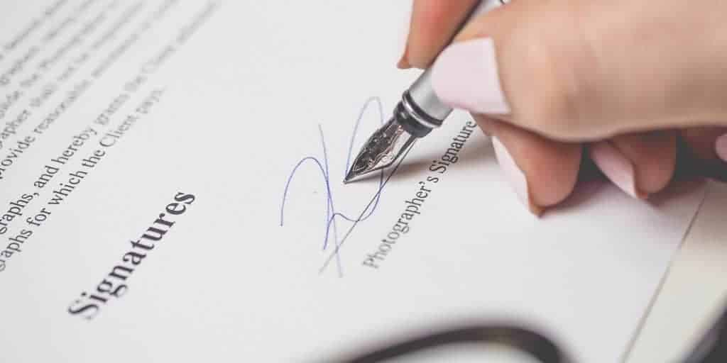 what-to-know-about-signing-a-web-design-contract